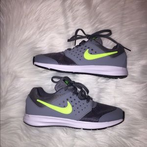 Boys size 2.5 Nike sneakers NEW